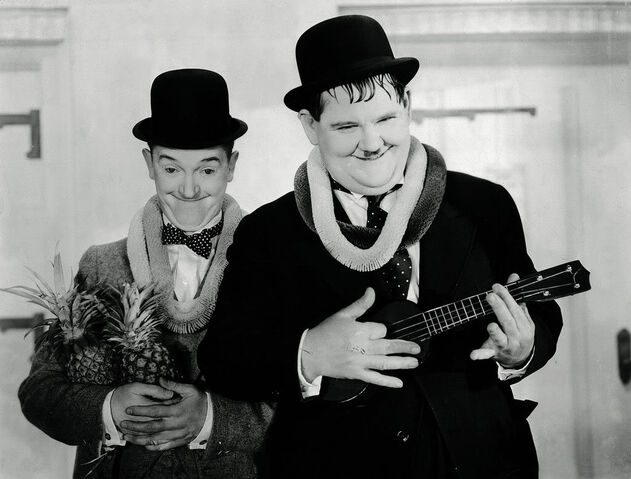 File:Laurel-and-hardy-vacation.jpg