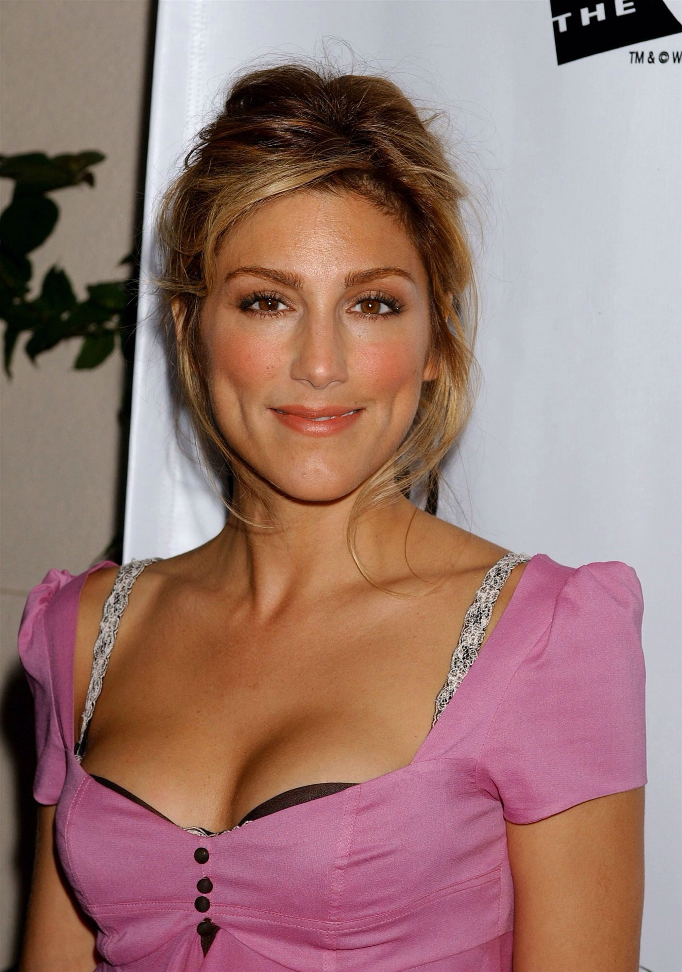 Jennifer Esposito | Law and Order | FANDOM powered by Wikia Jennifer Esposito