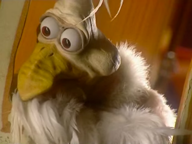 File:Nick Jr. LazyTown Haninn the Rooster Shocked.png