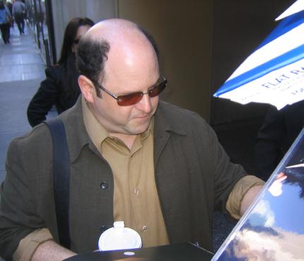 File:Jason Alexander signingautographs.PNG