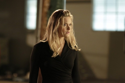 File:Promotional Image 1x03 Chapter 3 (6).jpg