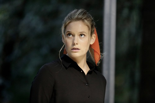 File:Promotional Image 1x03 Chapter 3 (4).jpg