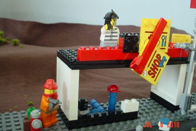 File:LEGo post-apoc scene 5.jpg
