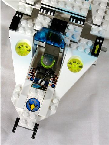 File:6982 Cockpit.jpg