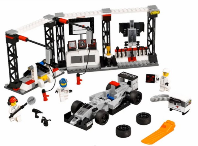 File:LEGO-Speed-Champion-2015-Sets-75911-McLaren-Mercedes-Pit-Stop-640x472.jpg