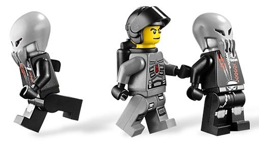 File:5973 Minifigures.jpg