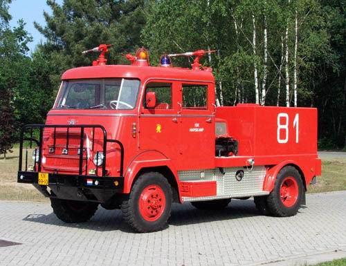 File:1956-brandweer-trucks-daf-v1600-01.jpg