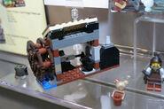 LEGO Toy Fair - Kingdoms - 6918 Blacksmith Attack - 03