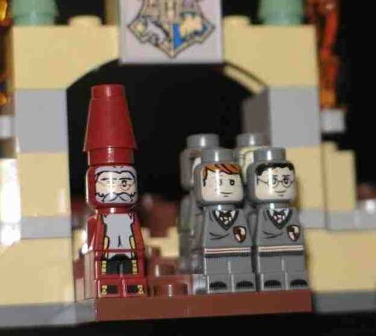 File:3862-ToyFairPreview-Figures.jpg