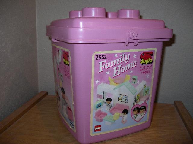 File:2552-Family Home Bucket.jpg
