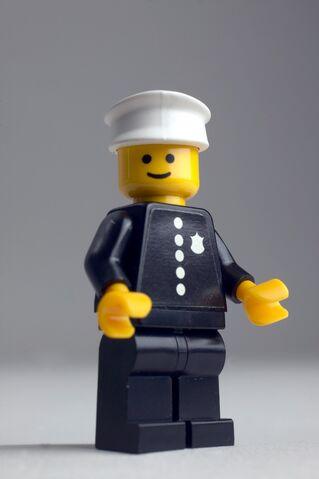 File:1978 police officer minifigure.jpg