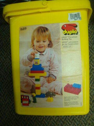 File:1689 Zoo Babies Bucket.jpg