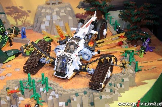 File:LEGO-Ninjago-9449-Ultra-Sonic-Raider-Pre.jpg