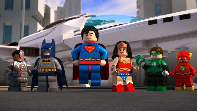 File:LEGO-DC-Comics-Super-Heroes-Attackof-the-Legion-of-Doom.jpg