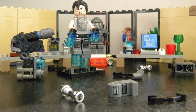 File:LEGO IRONMAN TESTING.jpg