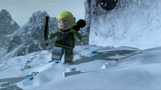 File:Legolas tiptoeOnSnow.jpg