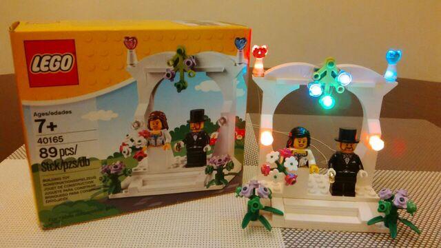 File:Lego 40165.jpg