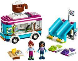 Snow-Resort-Hot-Chocolate-Van-41319-set-600x450
