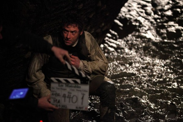 File:Les-miserables-hugh-jackman-movie-image-set-photo-600x400.jpg