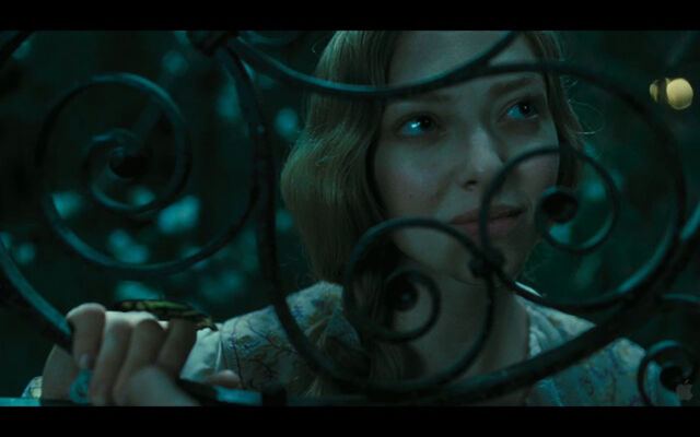 File:Les-miserables-screenshot-cosette-1.jpg