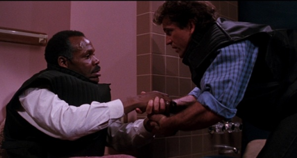 File:Murtaugh-Toiletbomb.jpg