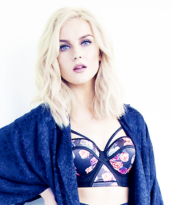 File:PerrieEdwards2.png