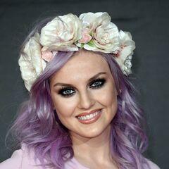 Perrie's wavy purple headband hairstyle