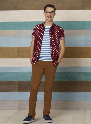 File:Joey Season 4 Promotional Photo.jpeg