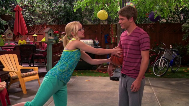 File:Josh and Maddie with Basketball.png