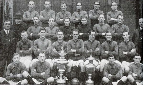 File:LiverpoolSquad1920-1921.jpg