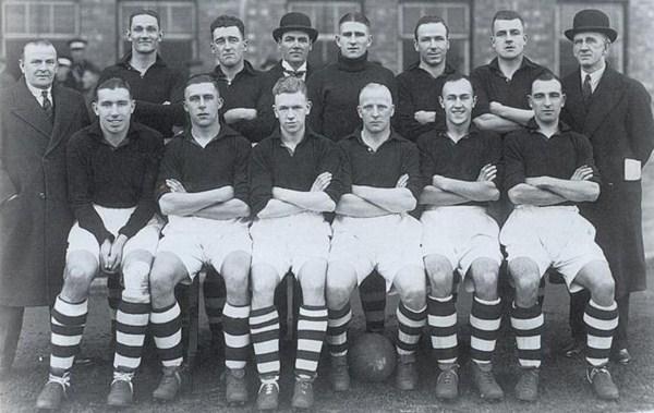 File:LiverpoolSquad1936-1937.jpg