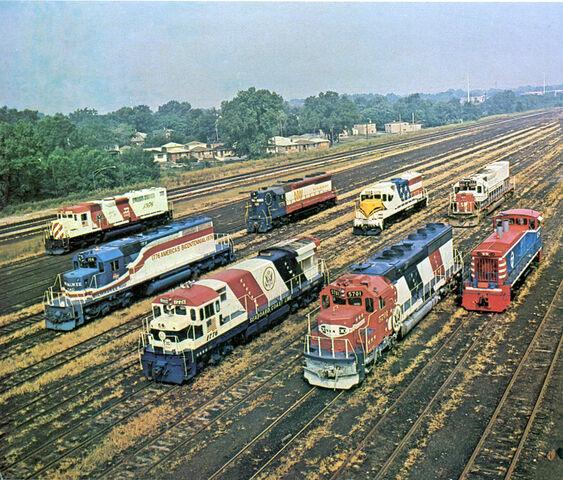 File:Bicentennial USA diesel locomotives.jpg