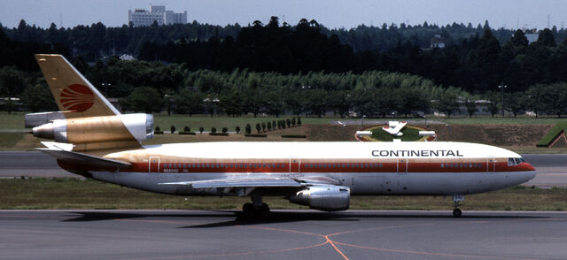 File:Continental livery early 90s.jpg