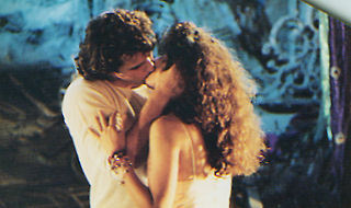 File:Michael and Star kiss.jpg