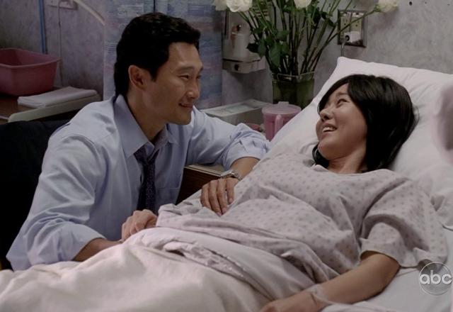 File:Jin & Sun have an awakening.png
