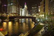 File:220px-Chicago River @ night.jpg