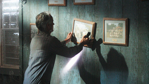 File:5x09 PictureOnTheWall.jpg