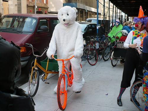 File:Bicycleclown13.jpg