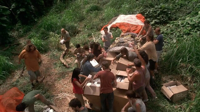Archivo:Hurley at Food Supply.jpg