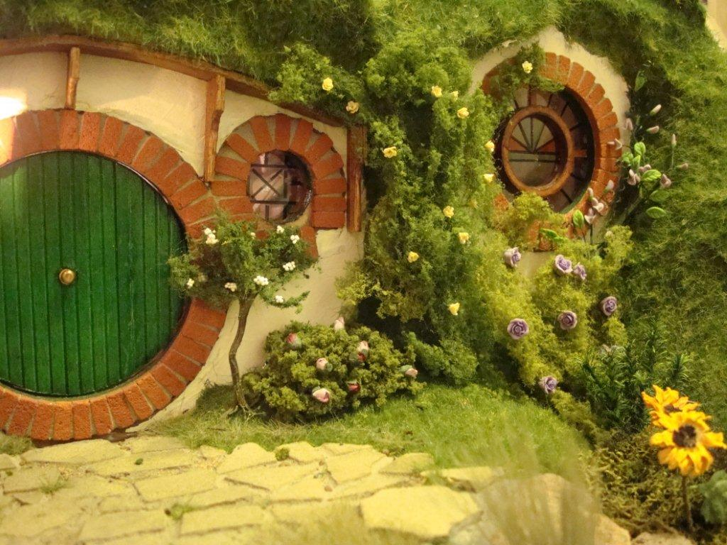 101 - Lord Of The Rings Hobbit Home