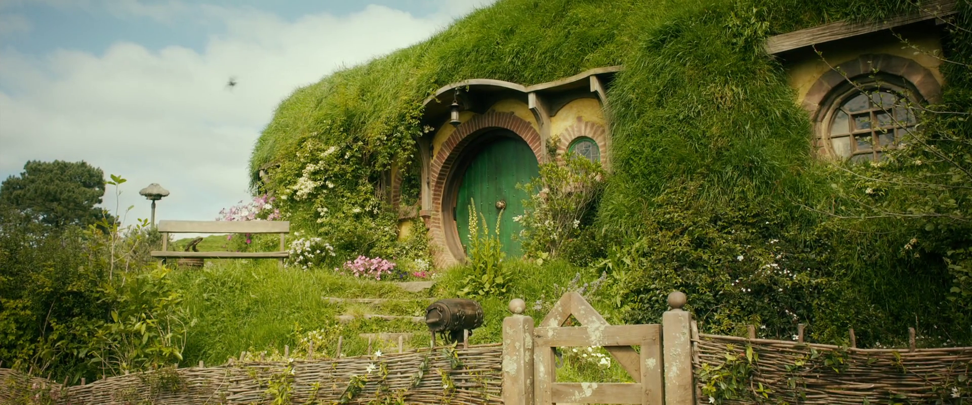 bag end - Lord Of The Rings Hobbit Home