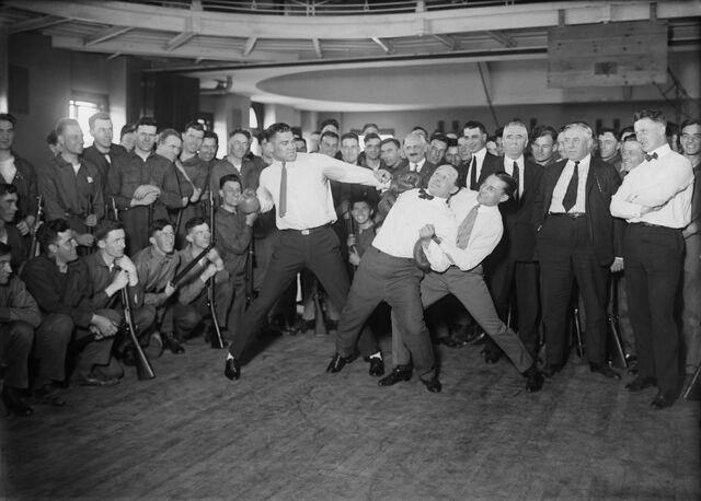 File:Jack Dempsey, Harry Houdini and Benny Leonard2.jpg