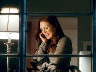 Crazy-Stupid-Love-Promotional-Pictures-julianne-moore