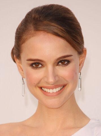 File:Natalie-Portman-pictures-photos-movies-hairstlye-pics (1).jpg