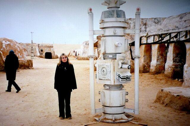 File:Decorado Star Wars en Túnez 4.jpg