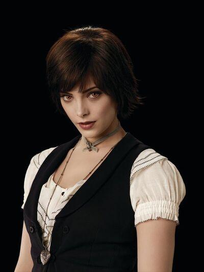Alice Lovie7
