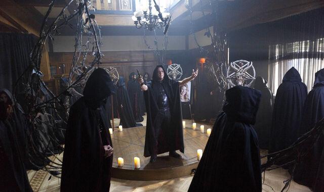 File:112 promo Onyx leading cult.jpg