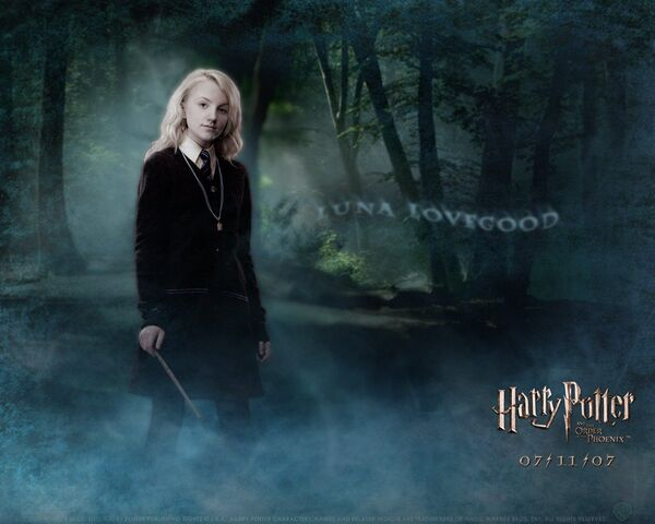 File:Evanna-Lynch-as-Luna-Lovegood-799.jpg