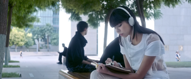 File:Icarus sitting near Asteria in the You're On video.png