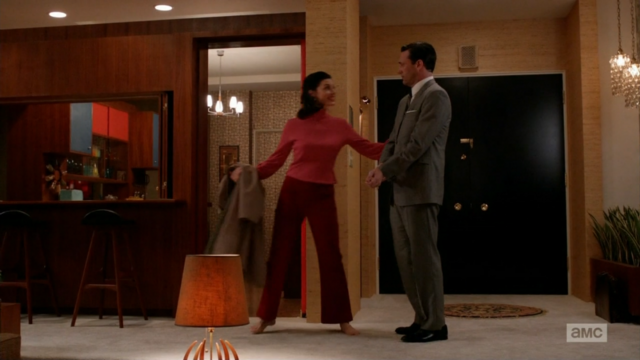 File:6x04 Megans outfits (02).png